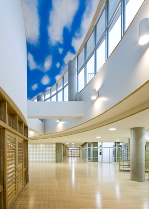 富山市立豊田小学校・北学校給食センター 内観